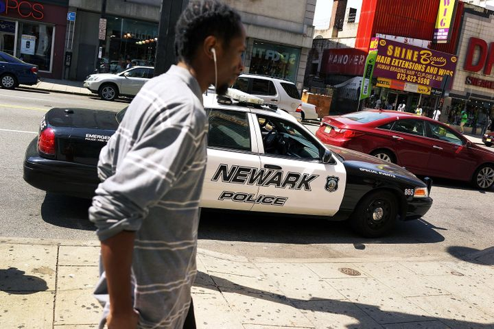 TheNewark Police Department has reached a deal with the DOJ that will protect those who record or comment on officer co