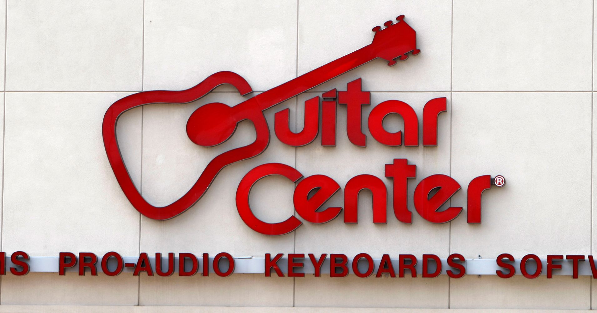 another guitar center store votes to unionize huffpost. Black Bedroom Furniture Sets. Home Design Ideas
