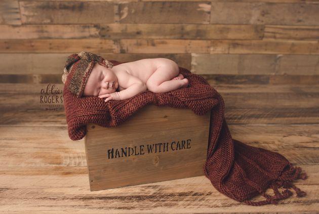 Newborn Baby Photoshoot Goes Spectacularly
