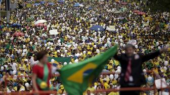 Demonstrators attend a protest against Brazil's President Dilma Rousseff, part of nationwide protests calling for her impeachment, in Brasilia, Brazil, March 13, 2016. REUTERS/Ueslei Marcelino