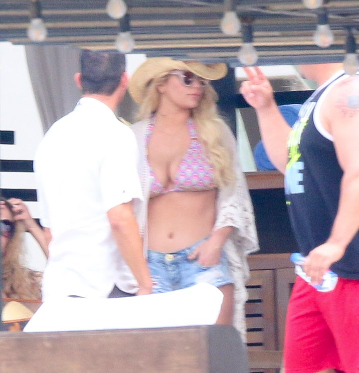 Jessica Simpson having a good time with some friends in Los Cabos, Mexico.
