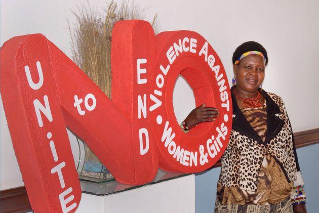 アフリカ最貧国で850件の児童婚を止めさせた女性がいる。どうやって子供たちを救っているのか
