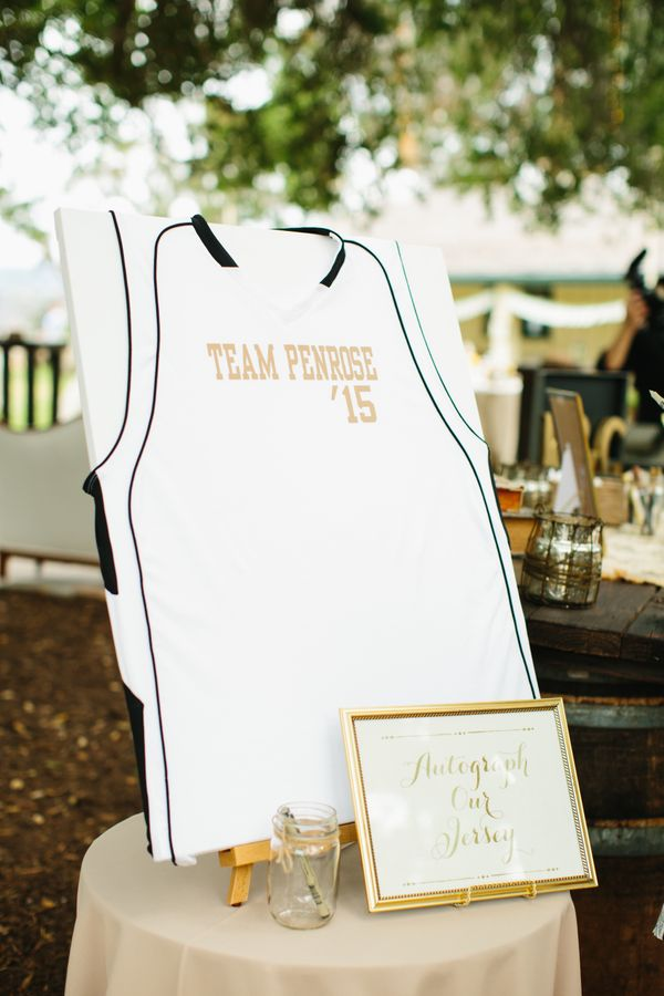 16 Creative Alternatives To The Boring Old Wedding Guest