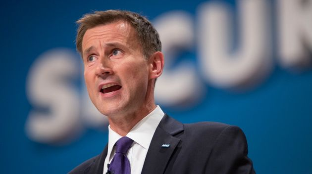 Jeremy Hunt Mauled Over 'Disgusting' Junior Doctors Contract That Penalises Single