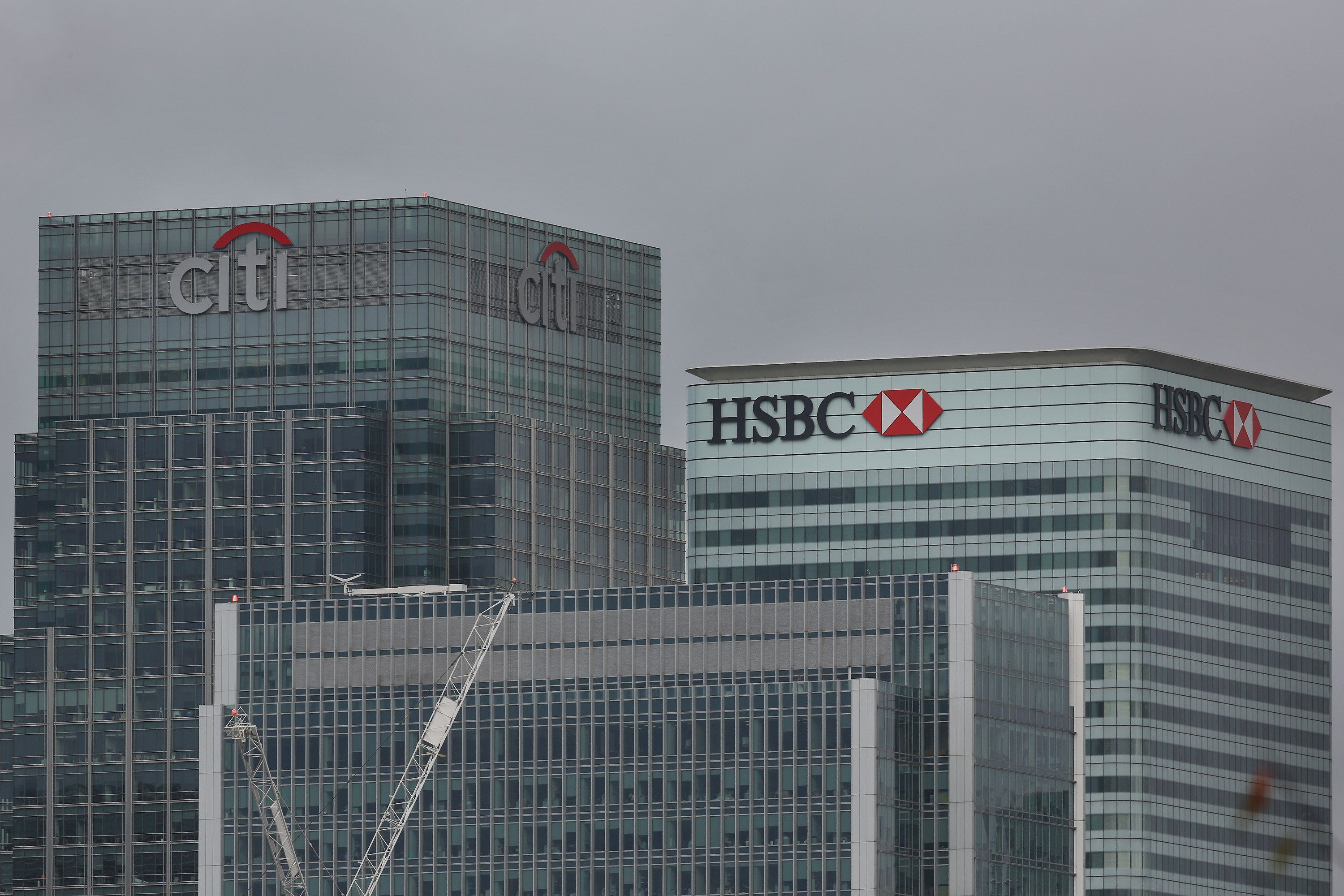 LONDON, ENGLAND - NOVEMBER 12: Citibank and HSBC headquarters building at Canary Wharf on November 12, 2014 in London, England. Five banks have been fined £2 billion by financial regulators in the United Kingdom for manipulation of foreign exchange rates.  (Photo by Peter Macdiarmid/Getty Images)