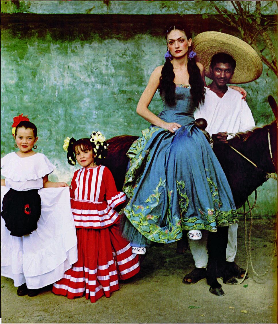 A fashion production from L'Officiel Magazine that recreates Frida Kahlo's style.
