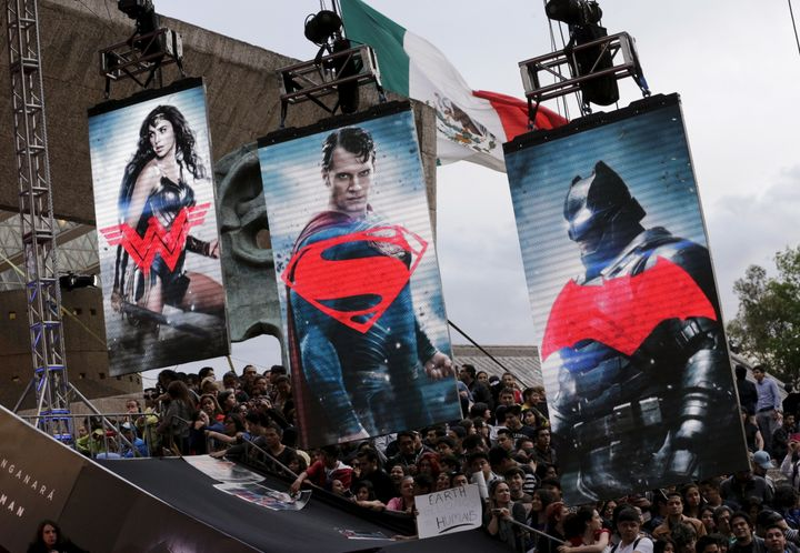 """Fans wait for the arrival of cast members of the movie """"Batman v Superman: Dawn Of Justice"""" in Mexico City, Mexico, March 19,"""