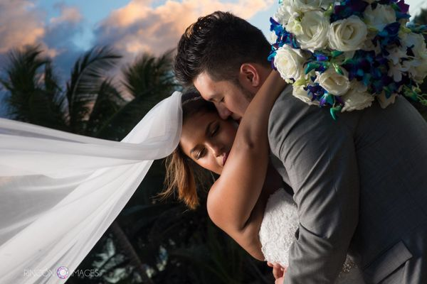 """""""Bianca and Francisco were treated to a breathtaking sunset just after their wedding ceremony on asecluded beach in Are"""