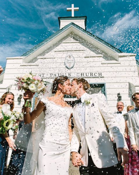 """""""Congrats to Elle andJustus and a weekend filled with love! - <i>photographers</i><i>Matt andAllison Edge</"""