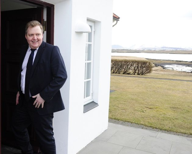 Iceland's Prime Minister Sigmundur David Gunnlaugsson arrives at Iceland president's