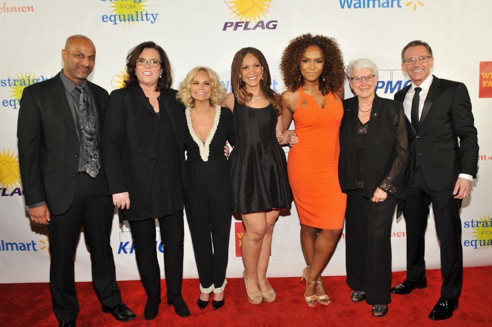 NEW YORK, NEW YORK - APRIL 04: (L-R) Apoorva Gandhi, Rosie O'Donnell, Kristin Chenoweth, Melissa Harris-Perry, Janet Mock, Je