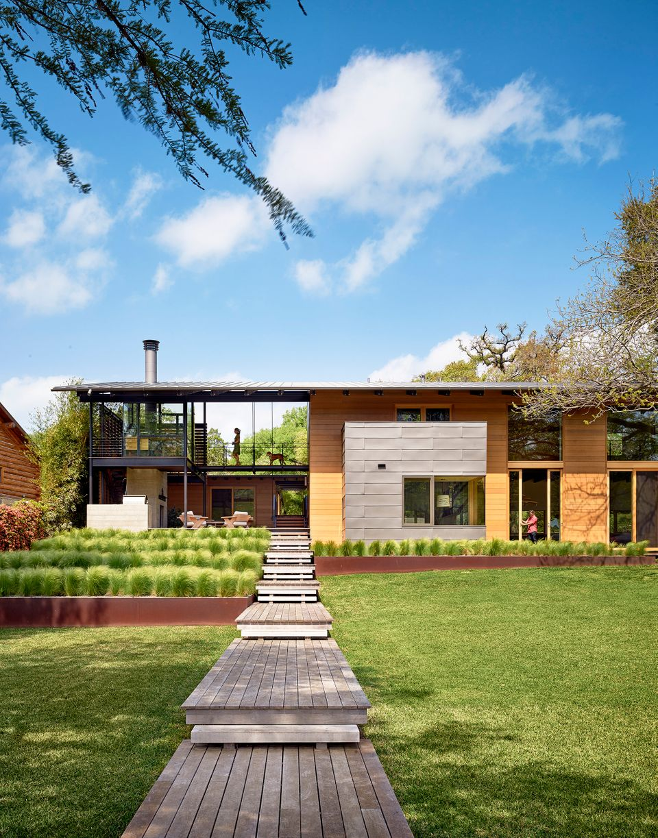 Hog Pen Creek Retreat; Austin, TX<br>Lake|Flato Architects <br><br>In the single family category, the judges recognized outst