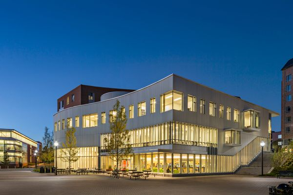 Commonwealth Honors College, University of Massachusetts; Amherst, MA<br>William Rawn Associates, Architects, Inc. <br><br>Th