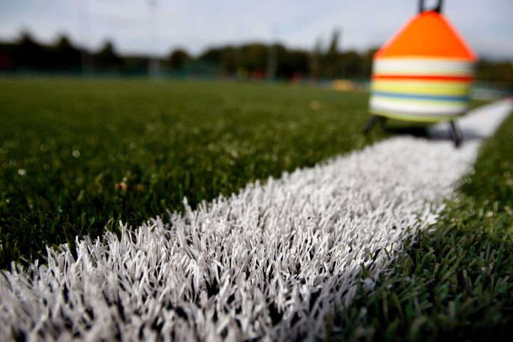 There's no consensus on whether the harmful materials in synthetic fields existat high enough levels to presenta&