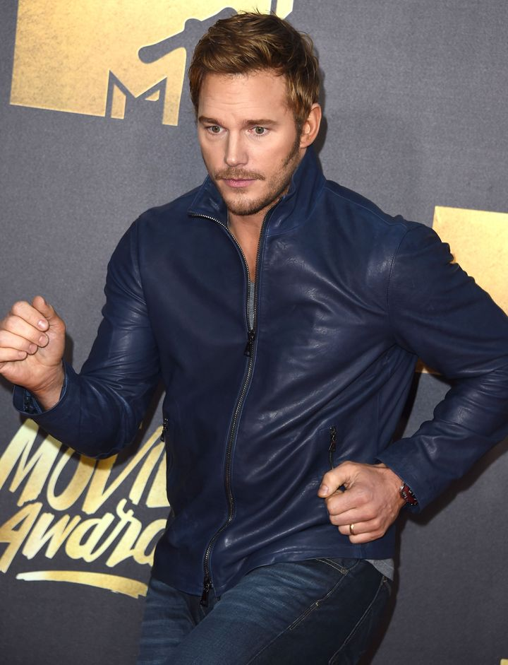 Chris Pratt strikes a pose on the2016 MTV Movie Awards red carpet.