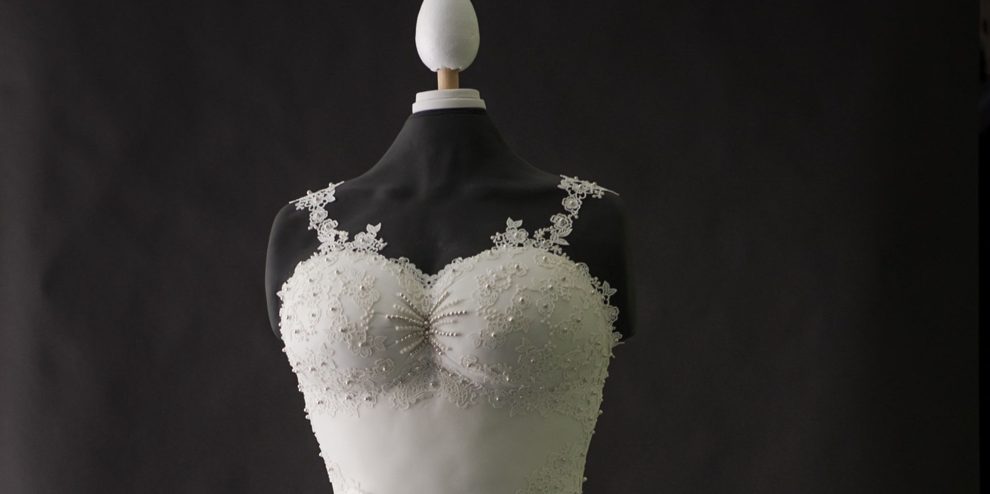 a wedding cake weighed 8 kg this stunning wedding dress is 100 edible huffpost uk 10982