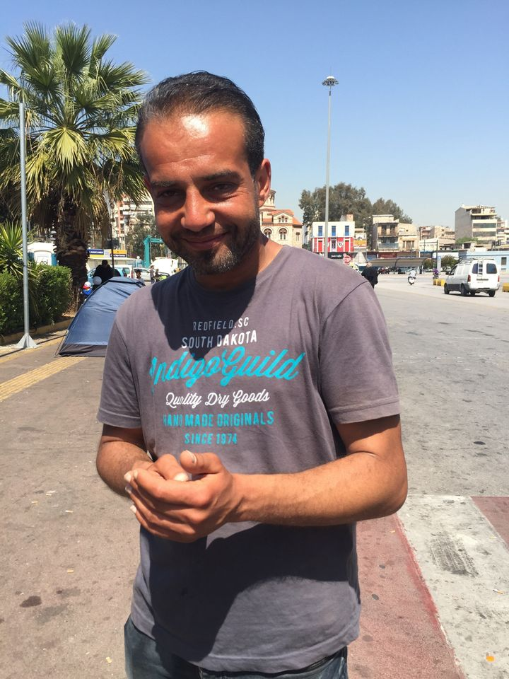Syrian refugeeAmjad al Fakhouri explained that tensions at the port had risen long before the incident with the Afghan