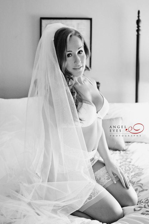bf9370ccac 25 Bridal Boudoir Photos That Are As Sultry As They Are Sweet ...