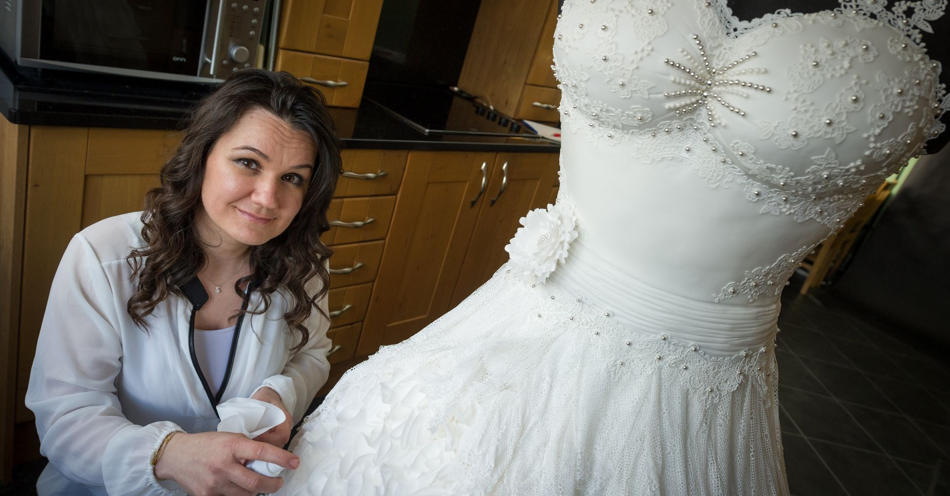 Cheap Wedding Dresses Websites: Epic Edible Wedding Dress Is Made Entirely Of Cake
