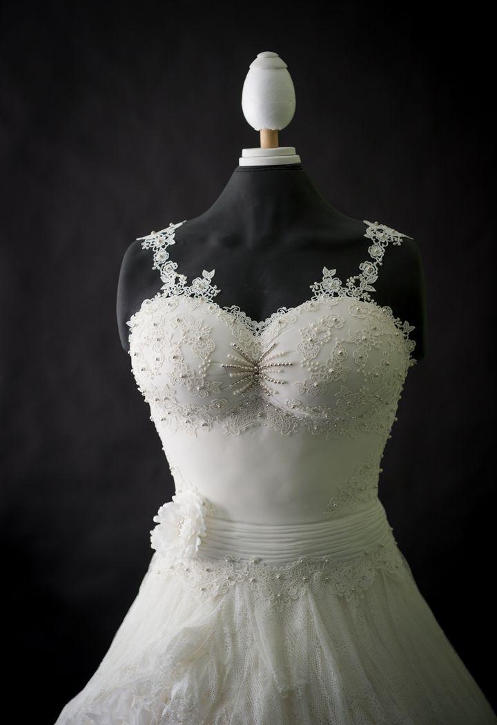 Damn This Stunning Wedding Dress Cake Will Blow Your Mind