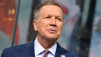 NEW YORK, NEW YORK - APRIL 07:  2016 Republican Presidential Candidate, Governor John Kasich visits 'Extra' at H&M Times Square on April 7, 2016 in New York City.  (Photo by Slaven Vlasic/Getty Images for Extra)