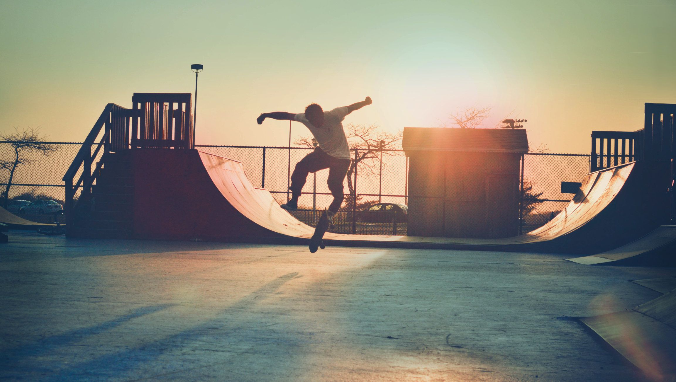 Every day, 176 kids go the emergency room with skateboarding injuries. Eighty-nine percent of those injured were males.