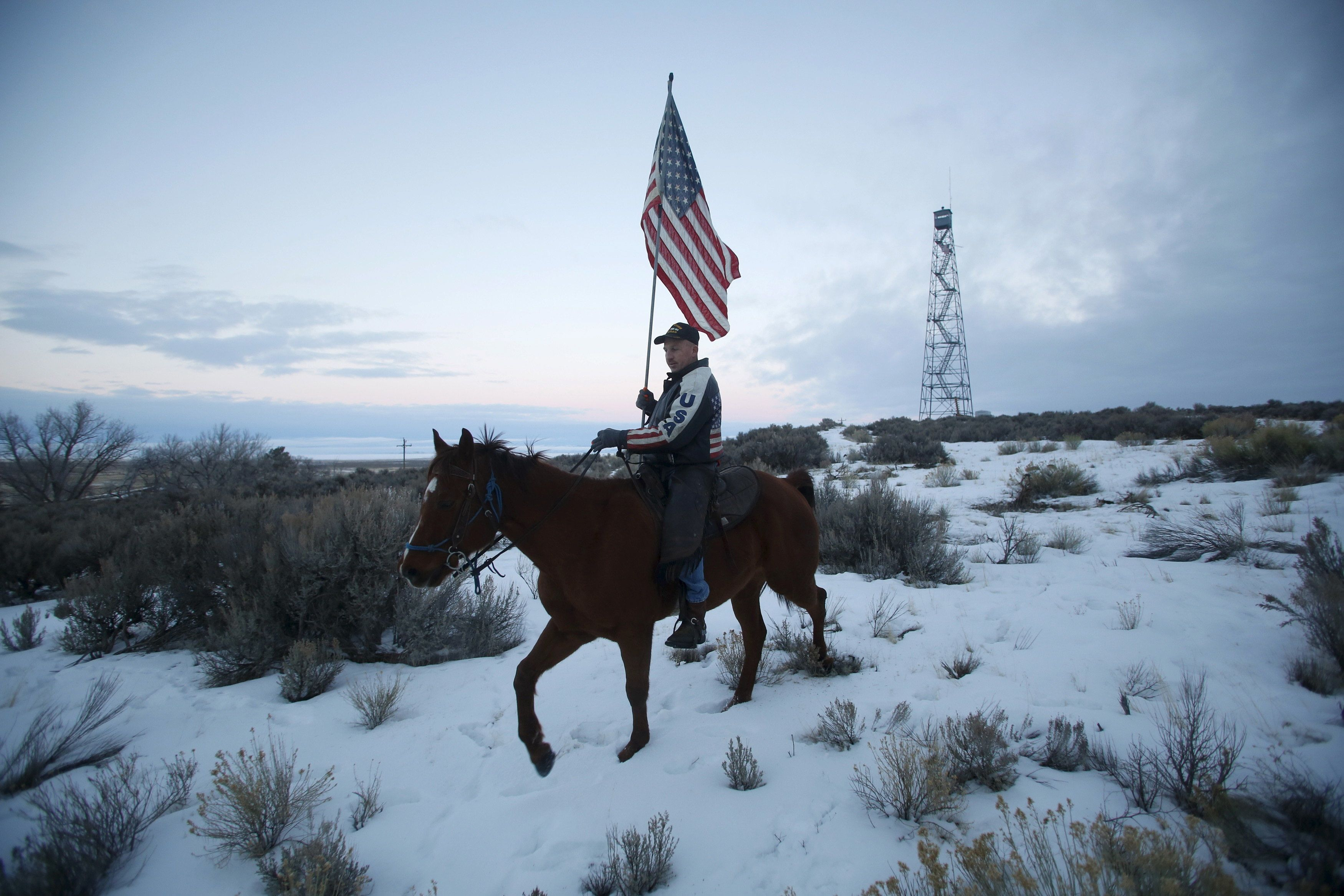 Occupier Duane Ehmer rides his horse Hellboy at Malheur National Wildlife Refuge near Burns, Oregon, January 7, 2016. REUTERS/Jim Urquhart