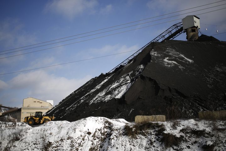 Arch Coal, the St. Louis-based holder of the second-largest reserve of coal in the U.S., filed for creditor protection Monday
