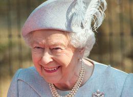 The 18 Best Tweets From Everyone's Favourite Queen Elizabeth Spoof Twitter Account
