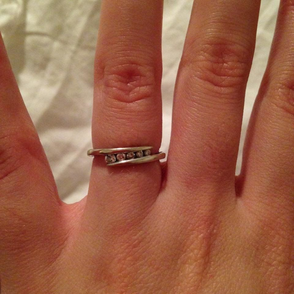 17 Women Who Don T Care What You Think About Their Tiny Engagement