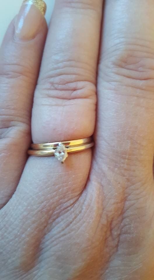 tiny wedding ring 17 women who don t care what you think about their tiny 8011