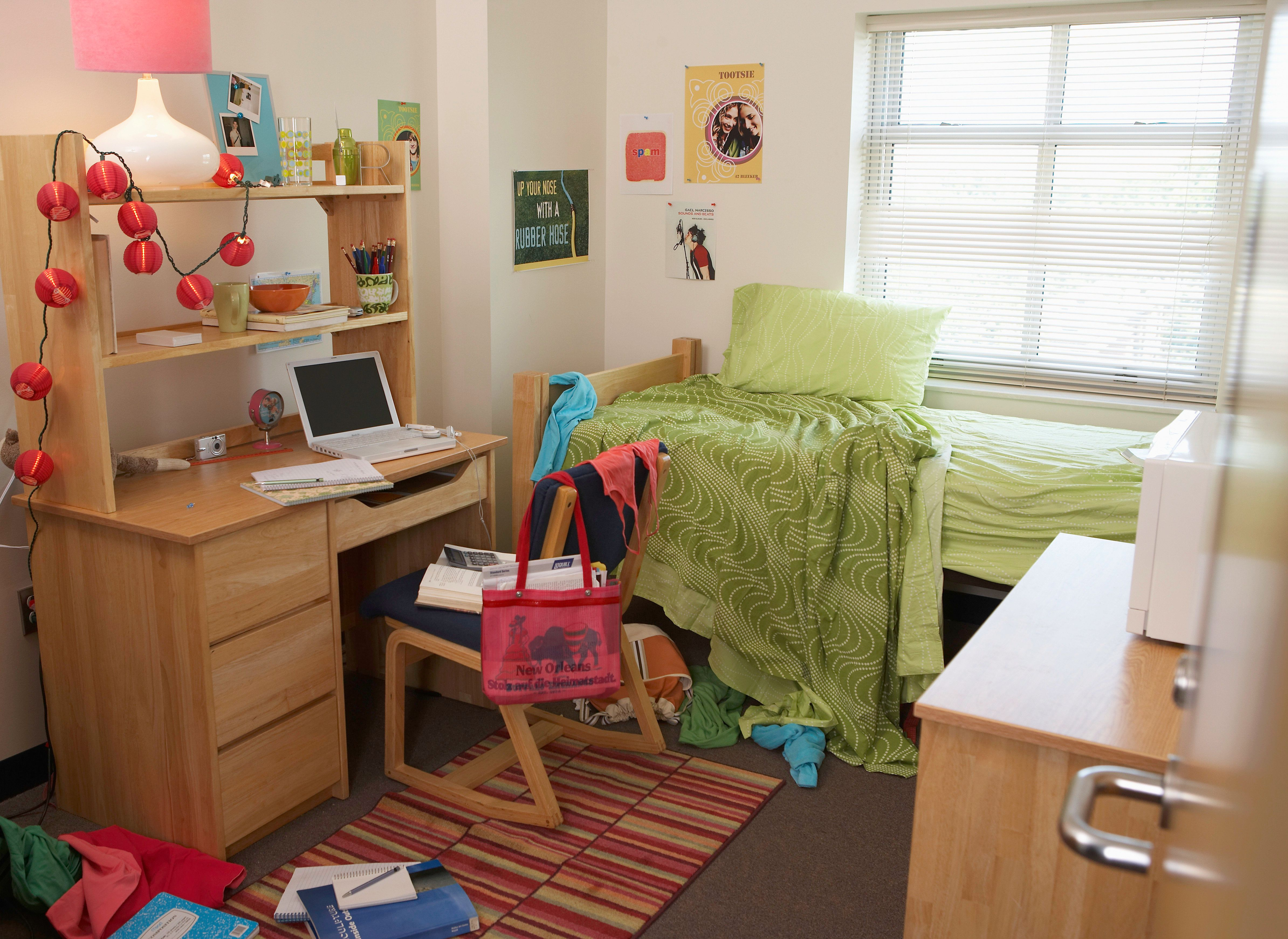 9 Things In Your Dorm That Are Wrecking Your Sleep HuffPost