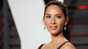 Actress Olivia Munn arrives at the Vanity Fair Oscar Party in Beverly Hills, California February 29, 2016.  REUTERS/Danny Moloshok