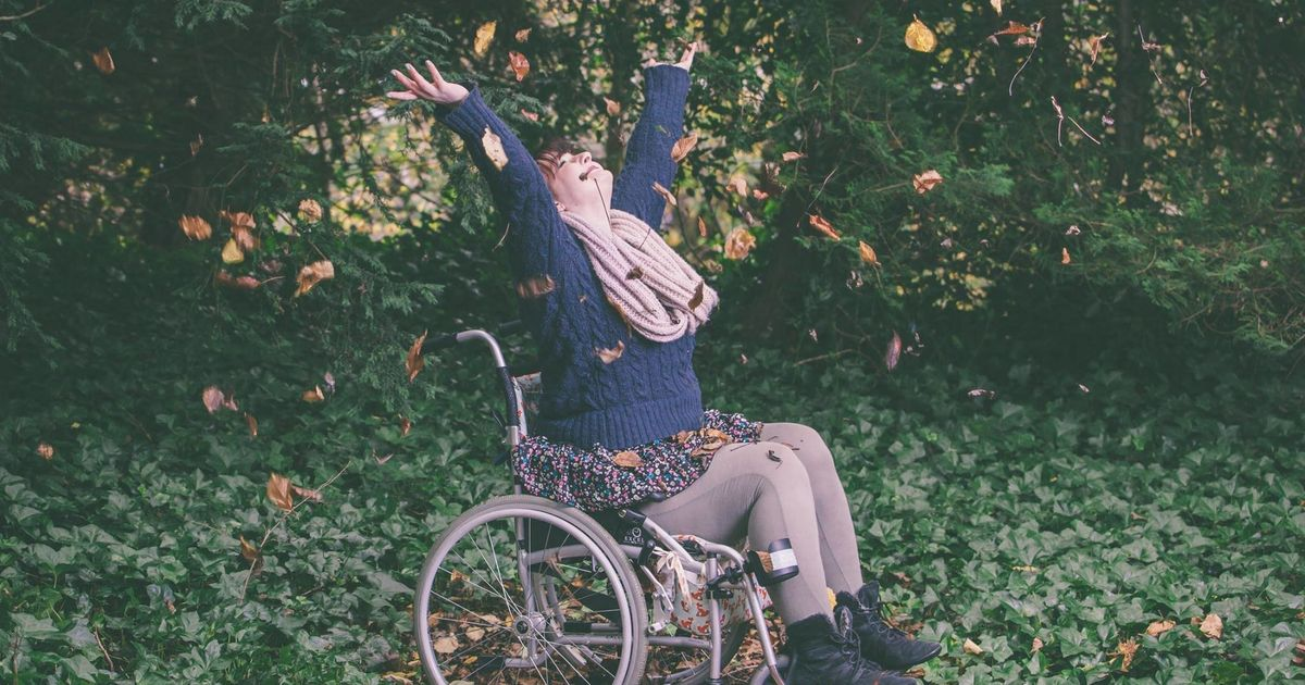 Meet Lizzie: In A Wheelchair And Dependent On A Tube, But Still Helping Others