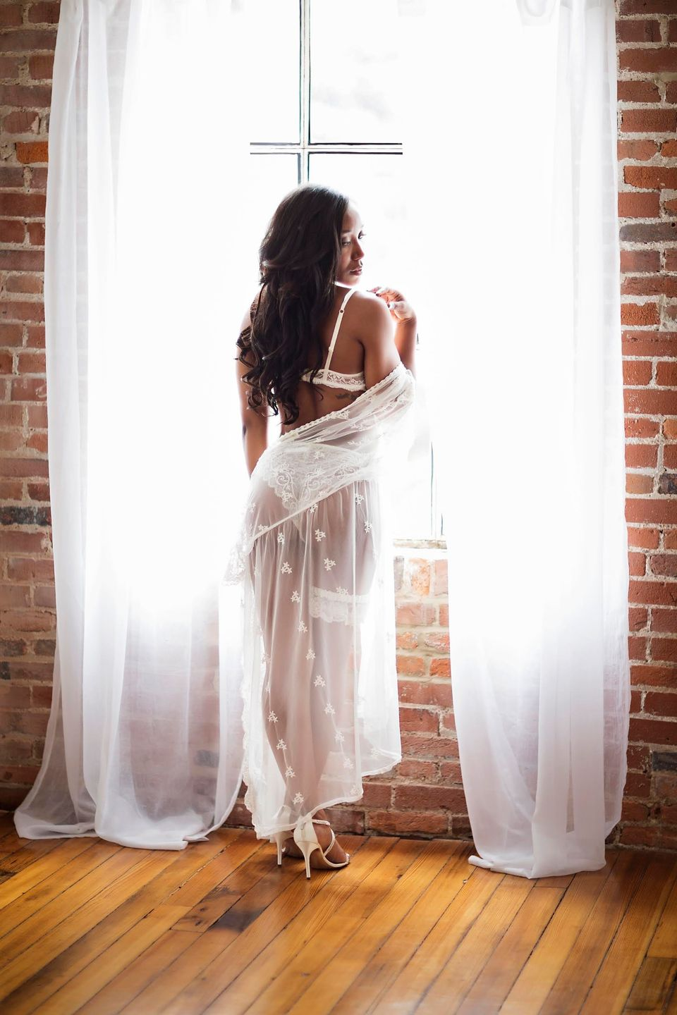 25 Bridal Boudoir Photos That Are As Sultry As They Are Sweet ...