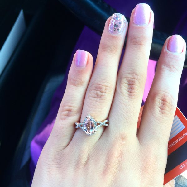 b4a4fa9abcc29 21 Engagement Rings That Are Perfect For The Unconventional Bride