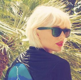 Taylor Swift shows off her bleach blonde 'do at Coachella.