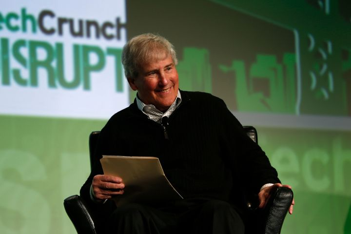 Bill Campbell smiles as he moderates a fireside chat with Ben Horowitz of Andreessen Horowitz during day one of TechCrunch Di