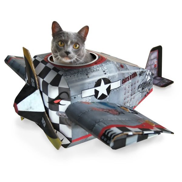 Snoopy the beagle isn't the only pet who is a flying ace. Your cat can be one, too, thanks to this lovingly-recreated<a href=