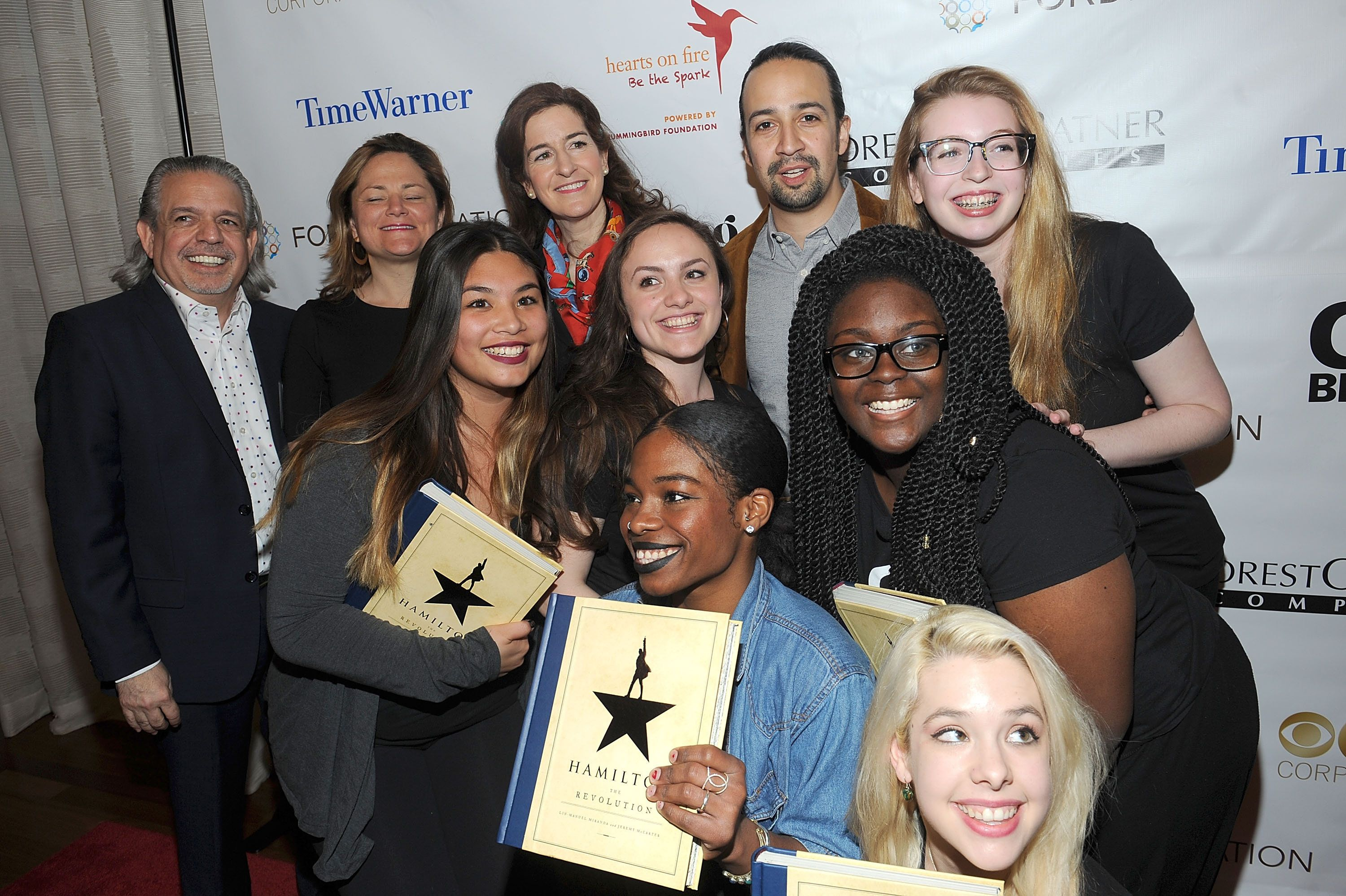 Lin-Manuel Miranda with Girl Be Heard co-founder and Executive Director Jessica Greer Morris, and the young women who pe