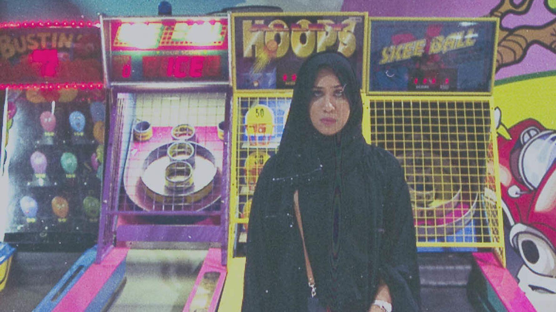 Saudi Arabian Artist Turns A Daily Fashion Log Into Feminist Activism