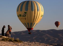 Stunning Ballon Festival In Cappadocia Showcases Turkey's Beautiful Landscape