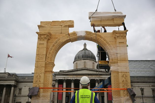 The 5.5m replica was made by machines that carved the arch based on 3D photographs of the