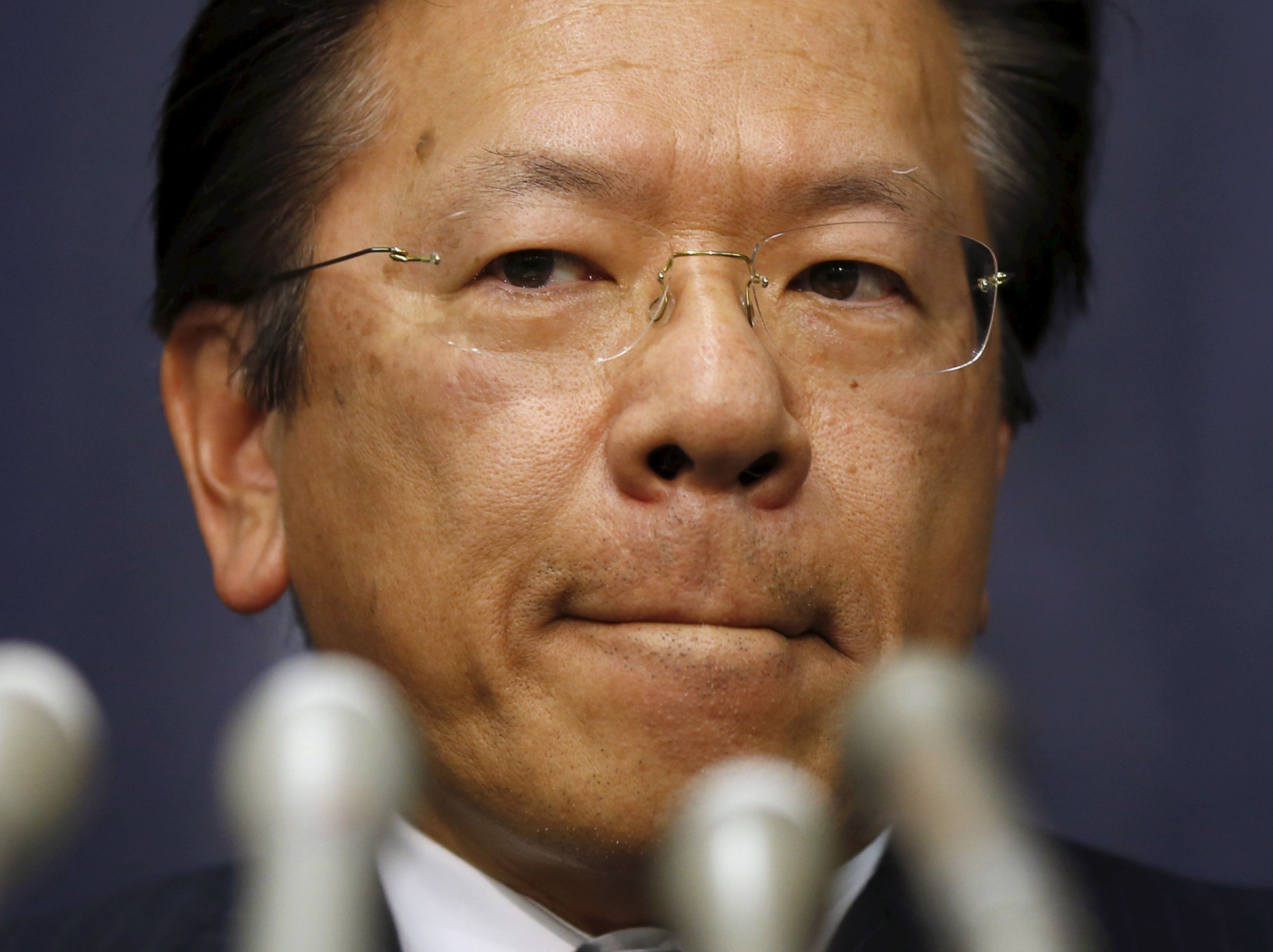 The scandal prompted Tetsuro Aikawa, president ofMitsubishi Motors,to bowin apology at a news conference in
