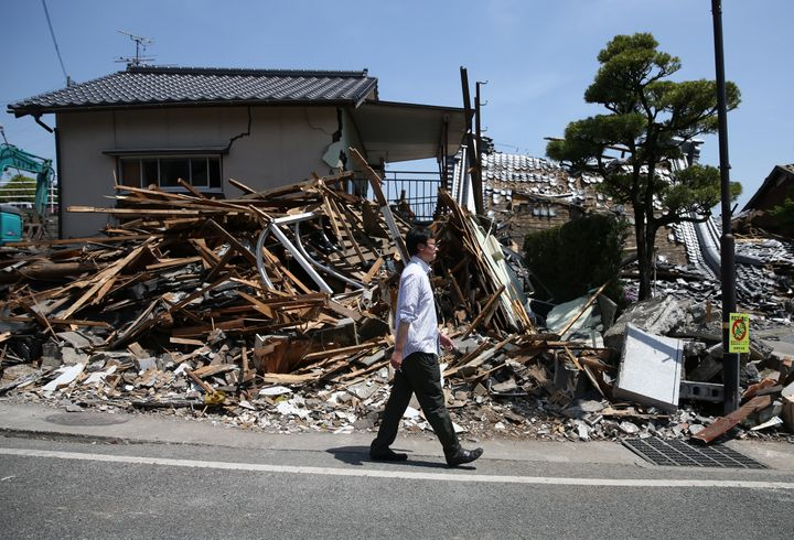 Aftershocks continued to spread through Japan almost one week after the first of two earthquakes struck the southwestern Kyus