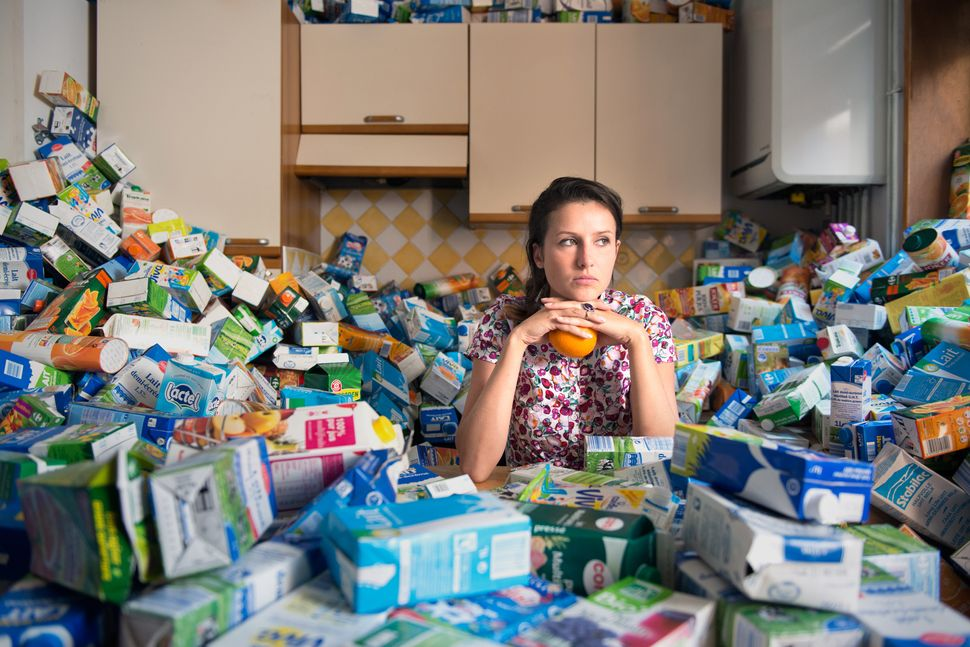A Photographer Collected Four Years Worth Of Trash To Show Just How Wasteful Humans Can Be
