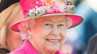 WINDSOR, ENGLAND - APRIL 20:  Queen Elizabeth II opens the new Bandstand at Alexandra Gardens on April 20, 2016 in Windsor, England.  (Photo by Samir Hussein/WireImage)