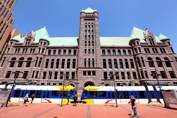 "<a href=""https://twitter.com/CityMinneapolis/status/723276067654397952"" target=""_blank"">Minneapolis City Hall</a> (above"