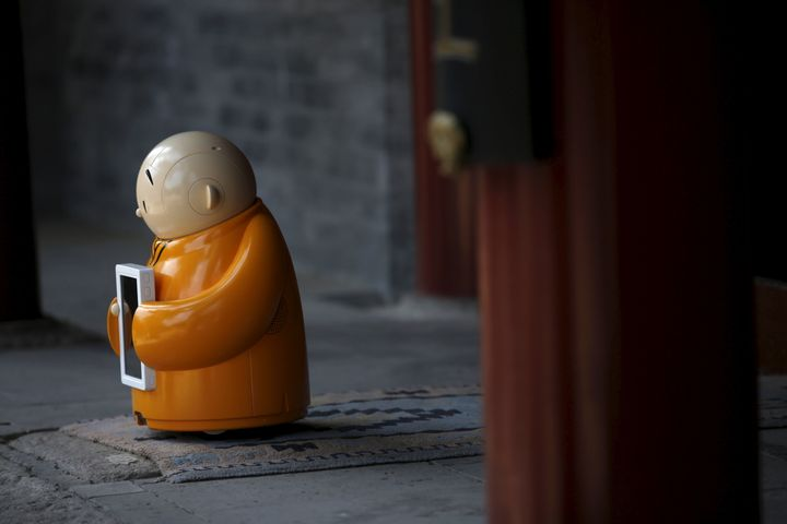 """Like other monks,Xian'er spends most of his days """"meditating."""""""