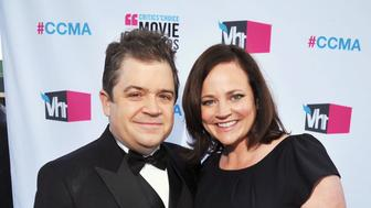 HOLLYWOOD, CA - JANUARY 12:  Actor Patton Oswalt and Michelle McNamara arrive at the 17th Annual Critics' Choice Movie Awards held at The Hollywood Palladium on January 12, 2012 in Los Angeles, California.  (Photo by Lester Cohen/WireImage)
